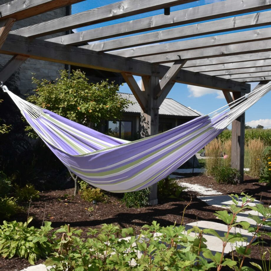 Double Brazilian Cotton Hammock in Tranquility – BRAZ237_Lifestyle