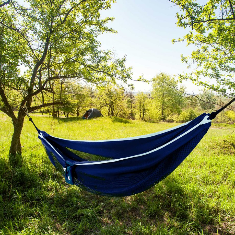 Mesh Double Hammock in Navy and Turquoise – MESH2-42 Lifestyle
