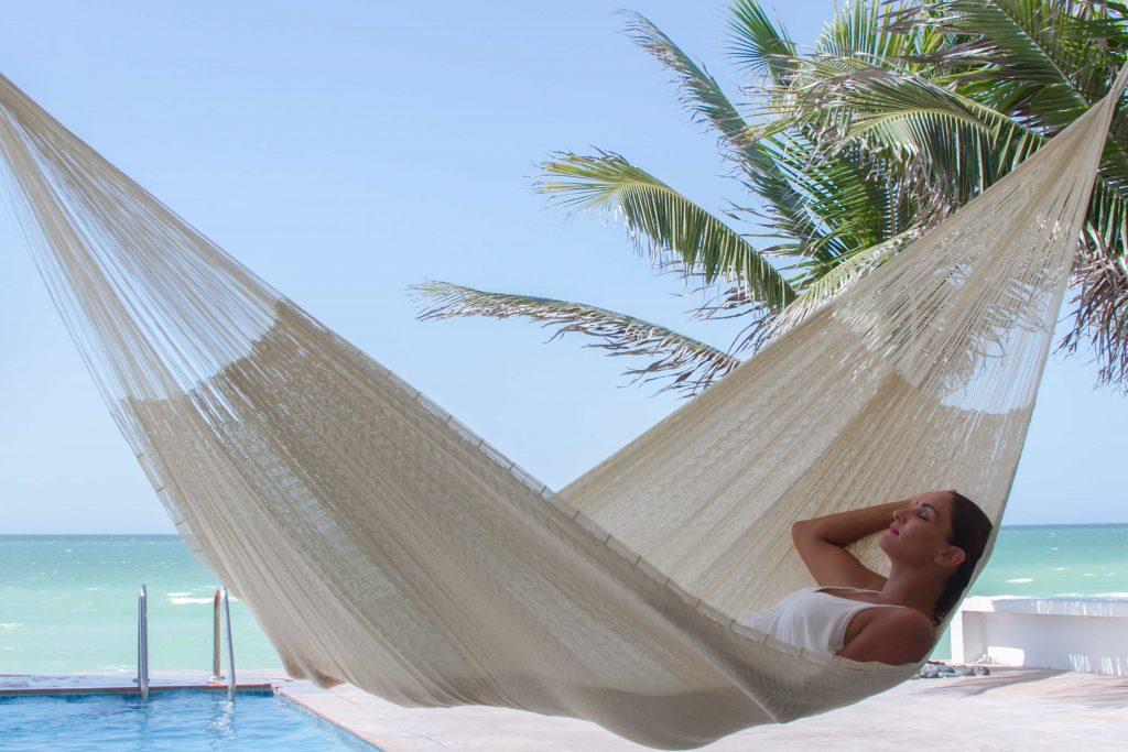 Super-Nylon-Cream-Hammock-Featured-Hanging-a-hammock